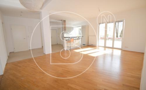 Familienfreundliche 5-Zimmer-Wohnung in Gersthofer Bestlage