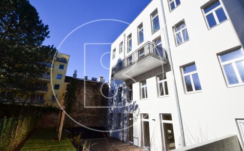 Moderne 3-Zimmer-Altbauwohnung mit Balkon - ERSTBEZUG!