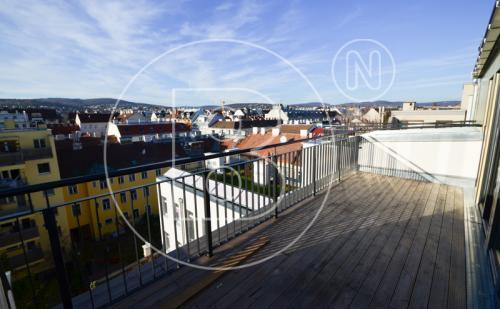 Moderne DG-Maisonette mit Terrasse - ERSTBEZUG!
