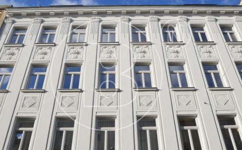 Moderne 2-Zimmer-Altbauwohnung + separate Loggia - ERSTBEZUG!