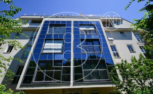 Wunderbare Balkonwohnung(en) mit 3Garagen in Bestlage!