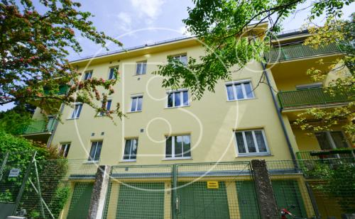 Charmante Balkon-Wohnung in Grünruhelage