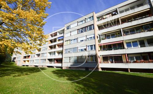 Renovierungsbedürftige 2-Zimmer-Loggia-Wohnung