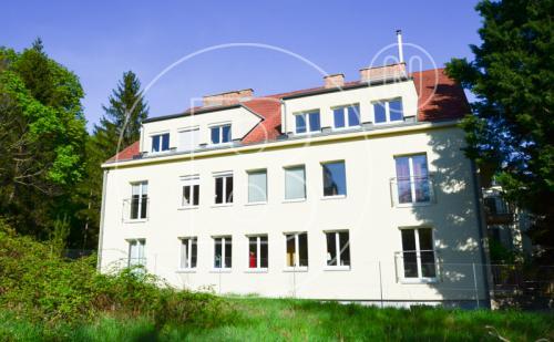 Gemütliche 4-Zimmer-Wohnung mit Balkon & Garage in Grünlage!