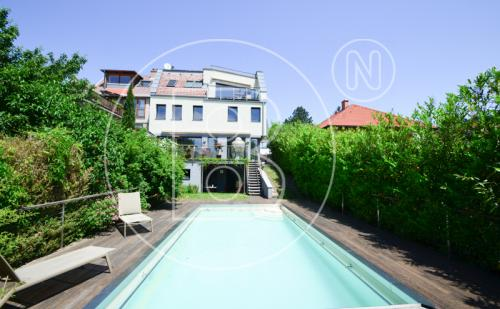 Bezauberndes Wohnjuwel mit perfekten Terrassen & Panoramafernblick!