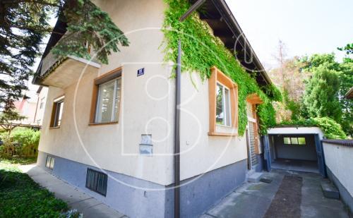 Renovierungsbedürftiges Einfamilienhaus mit viel Potential!
