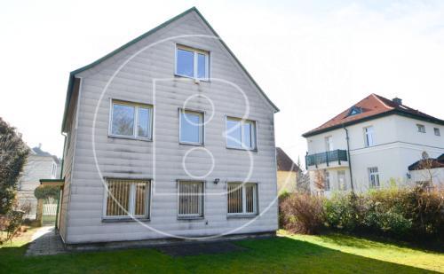 Ein- oder Zweifamilienhaus mit Potential in guter Lage!
